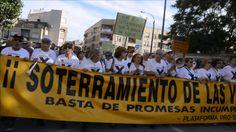 Inicio de la manifestación pro-soterramiento en Murcia - El vecindario a...
