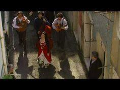 Um contra o outro, uma canção de 2010 do grupo Deolinda. Letra: http://letras.com/deolinda/1676357/