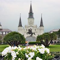Jackson Square – Right in the middle of the French Quarter. A great view of street performers, the St. Louis Cathedral and Andrew Jackson riding high above New Orleans. Cafe Du Monde is only a block away!