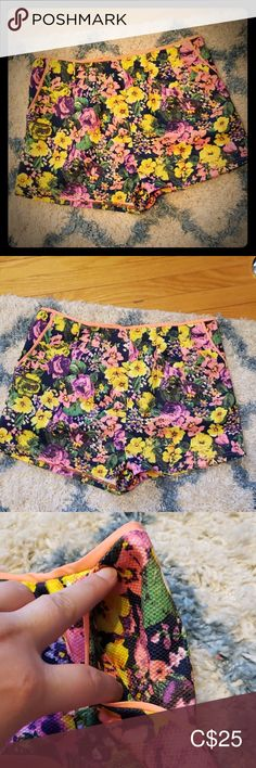 High waited shorts High waisted shorts with pockets from Sweet Rain. These are in multi-coloured floral pattern. Sweet Rain Shorts