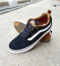 The all-new Vans Kyle Walker Pro features revolutionary Wafflecup technology, delivering the best of both worlds—the support and stability of a cupsole shoe without sacrificing any of the boardfeel an