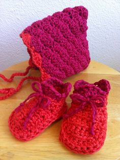 Ravelry: famousjenny's Shell Stitch Pixie Crochet Bonnet and Booties
