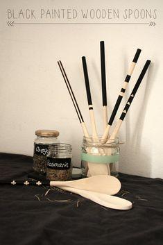 DIY: schwarz bemalte Kochlöffel aus Holz