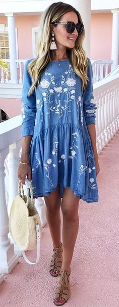 #fall #outfits women's blue and white floral long sleeve dress