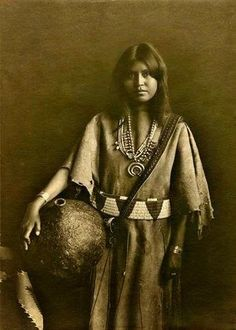 Native American Historic Photographs: Pueblo Indian Women and Pottery Photo Gallery
