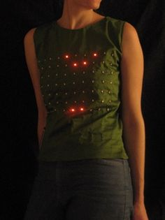 leah buechley - do it yourself - make your own wearable LED display