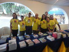 Grupo da livraria, durante o Seminário do Divaldo Franco em Campo Grande, MS, no Radio Clube Campo.