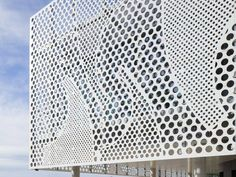 Benetau HQ – Givrand, France - HI-MACS® S28 Alpine White. Photos: Mathieu Ducros revit family