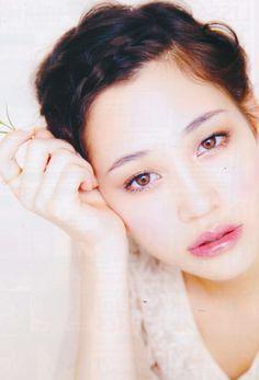 kiko mizuhara> she's soo pretty