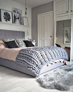 45 Warm Bedroom Design and Decorations That Will Inspire You Pink Gray Bedroom, Comfy Bedroom, Blue Bedrooms, Pink Room, Small Master Bedroom, Modern Bedroom, Stylish Bedroom, Master Suite, Master Bath