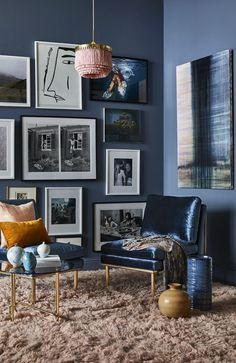 Hänga upp tavlor som ett proffs – 8 enkla tumregler Designers Guild, Shibori, Norman, Magnolia, Gallery Wall, New Homes, Interior Design, Chair, Room