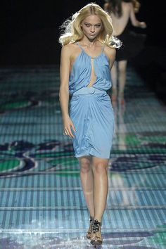 Versace Spring 2008 Ready-to-Wear Fashion Show Collection