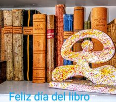 Bookends, Home Decor, Frases, Happy Day, Colors, Decoration Home, Room Decor, Book Holders, Interior Decorating
