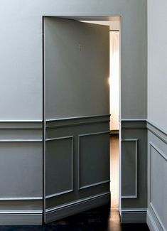 Dementedly Creative Hidden Doors for Secret Rooms Designs Ideas Hidden Doors In Walls, Hidden Rooms, Hidden Spaces, Secret Room Doors, Secret Rooms, Panic Rooms, Chill Room, Cosy Home, Fashion Room