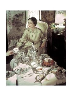 Tea for two in this elegant moment caught by photographer Horst P. Horst for the March 1950 House & Garden. Table is set with delicate Franciscan Mariposa pattern china. Model wears Christian Dior with jewelry by Cartier. Vintage Dior, Mode Vintage, Vintage Fashion, Vintage Tea, Vintage Silver, Vintage Vanity, 1940s Fashion, Vintage Vibes, Vintage Kitchen