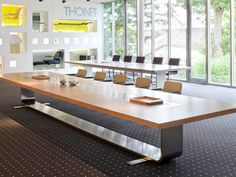 Rectangular meeting table S8000 by THONET | design Hadi Teherani