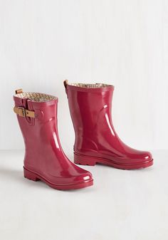 Puddle it Be? Rain Boot in Magenta. On a rainy morning, will you opt to drive to work? #red #modcloth