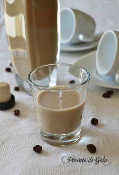 ricetta liquore alla crema di caffè, peccato di golaIngredienti per quasi 500 ml…