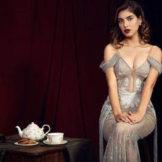 Deniz Baysal Turkish Fashion, Turkish Beauty, Ada Khan, Famous Stars, Jolie Photo, Turkish Actors, Celebs, Celebrities, Pretty Woman