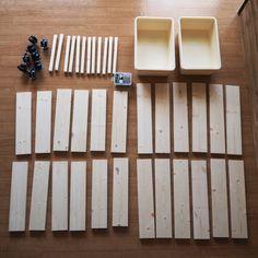 ***ダイソーの「スクエアボックス」でIKEAの「トロファスト」を簡単DIY! |LIMIA (リミア) Miscellaneous Goods, Diy Interior, Diy Door, Diy Room Decor, Home Decor, Diy Woodworking, Diy For Kids, Diy And Crafts, Kids Room