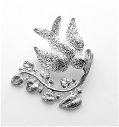 Vintage Bird of Peace Dove Olive Branch Pin