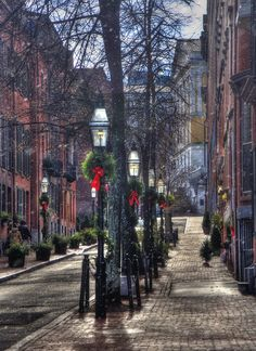 Brick Buildings Print featuring the photograph Holidays On Beacon Hill - Boston by Joann Vitali
