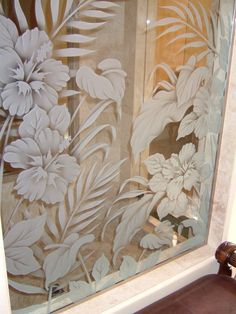Hbscs Bty Gls Shower Panels Etched Glass Tropical Design Sans Soucie turns ordinary glass shower panels into custom showers with etched glass art! Etched Glass Door, Etched Mirror, Beveled Glass, Glass Etching, Mosaic Glass, Glass Art, Etched Glass Windows, Staircase Glass Design, Glass Partition Designs