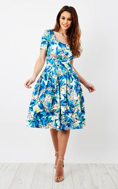 4d24c5384a88 Zoe Vine · Summer Vintage Style · SilkFred Fashion Brands