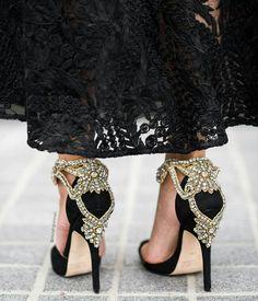 #shoes #heels #shoeobsession #shoeholic #shoesoftheday #weddingshoes #moroccanwedding #uaewedding #style #stylista #styleinspiration #details #luxury #styleguide #shoppingguide #dubaistyle #dubaigirl...