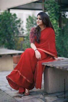 Meera Nandan in red saree photoshoot stills by Vineeth Nair. Malayalam actress Meera Nandan latest photoshoot stills in red saree. Stylish Dress Designs, Stylish Dresses, Indian Fashion, Boho Fashion, Indian Girls Images, Churidar Designs, Saree Photoshoot, Red Saree, Elegant Saree