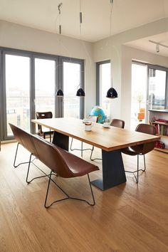 sitzbank holz leder dunkelbraun eichefarben bank esszimmer wohn esszimmer und dunkelbraun. Black Bedroom Furniture Sets. Home Design Ideas