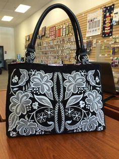 Anita Goodesign -- tote bag using the rhapsody design white on black. Awesome!