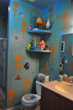 Disney Finding Nemo Bathroom; Decorating; Dory;  www.mydisneylove.com