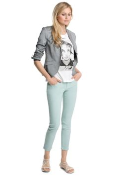 Casual outfit with grey blazer