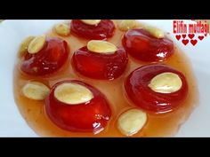 Bozcada tomato jam recipe - Yemek Tarifleri - Resimli ve Videolu Yemek Tarifleri Tomato Jam, Arabic Food, Jam Recipes, Cherry Tomatoes, Bon Appetit, Food And Drink, Yummy Food, Meals, Cooking