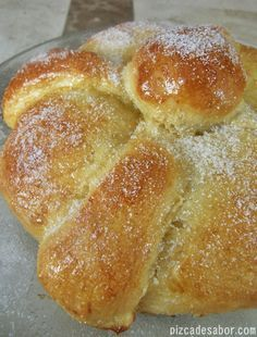 muerto (paso a paso) Pan de muerto (paso a paso)Pan de muerto (paso a paso) Mexican Pastries, Mexican Sweet Breads, Mexican Bread, Mexican Food Recipes, Dessert Recipes, Desserts, Pan Dulce, Pan Bread, Bread And Pastries