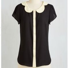 """Modcloth """"Teachers Petal"""" Top 4X Brand new without tags. ModCloth Tops Button Down Shirts"""