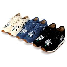 Sale 10% (24.69$) - Chinese Embroidered Lace Up Casual Round Toe Shoes