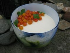 Lakka-kermarahka Cloudberry pudding photo by Tsiiskakku/wordpress