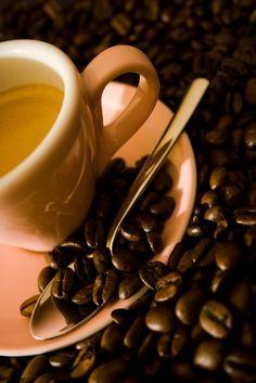 Una taza de café, por favor.