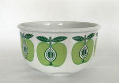 Vintage Arabia Finland  Pomona  Large Size Apple Bowl. Raija Uosikkinen 1960s