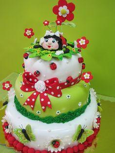 such a cute ladybug cake...