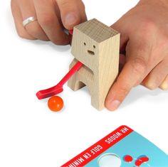 Witziges Minigolf-Holzspielzeug / cute wooden mini golf set, nerdy gadget and gift by Neue-Freunde via DaWanda.com