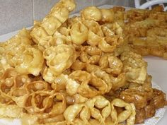 Orillettas sarde al miele - Typical Sardinian honey dessert