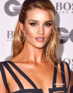 rosie huntington whiteley For extra day by day pins observe me marleenamecc – Hair Style Beauty Make-up, Beauty Hacks, Hair Beauty, Rose Huntington, Rosie Huntington Hair, Rosie Huntington Whiteley Makeup, Rosie Whiteley, Glam Makeup, Hair Makeup