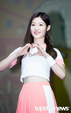 [HD포토] 아이오아이(I.O.I) 정채연 청순한 미소 #topstarnews