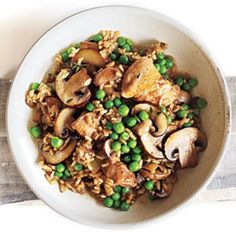 Chicken and Rice with Mushrooms Budget Cooking Recipe - healthy budget recipes Cooking For A Crowd, Cooking On A Budget, Cooking Light, Budget Meals, Chicken And Rice Dishes, Chicken Recipes, Chicken Rice, Moist Chicken, Healthy Chicken