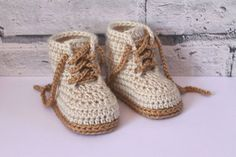 """CROCHET PATTERN - """"Cairo boots"""" baby boys booties crochet pattern, infant crochet shoes English Language Only Boy Crochet Patterns, Crochet Shoes Pattern, Shoe Pattern, Baby Patterns, Crochet Ideas, Crochet Gifts, Knitting Patterns, Pattern Cute, Crochet Stitches"""