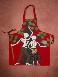 Honor Loved Ones with a Day of the Dead Apron >> http://blog.diynetwork.com/maderemade/2014/10/23/honor-loved-ones-with-a-day-of-the-dead-apron/?soc=pinterest