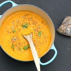 Kokos- och morotssoppa Easy Healthy Recipes, Raw Food Recipes, Veggie Recipes, Soup Recipes, Vegetarian Recipes, Cooking Recipes, Healthy Food, Veggie Food, Recipies
